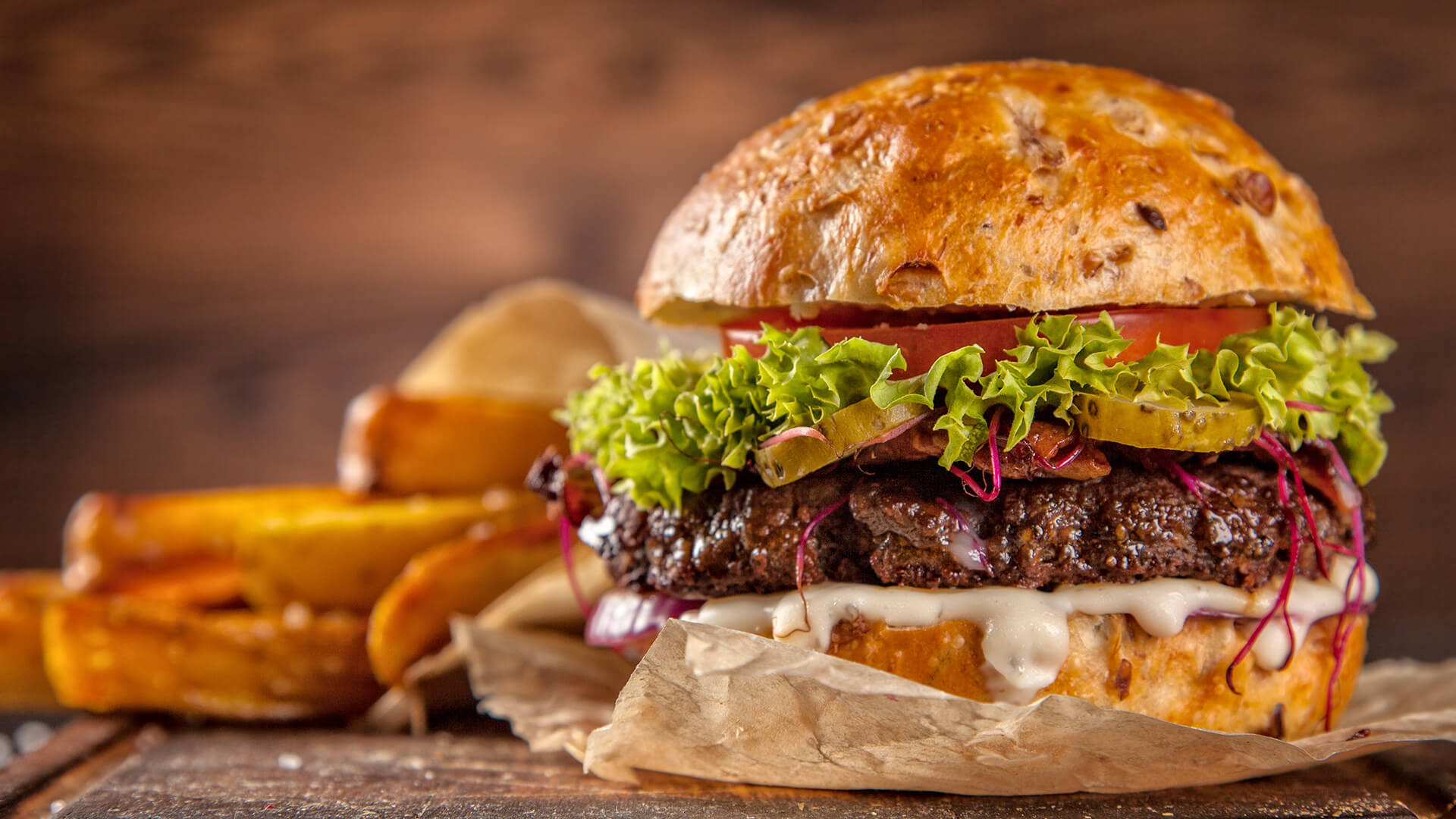 ruby_apartments_fb_lunch_burger_chips